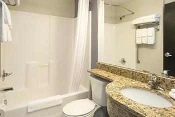 Microtel Inn & Suites by Wyndham Caldwell, Caldwell OH