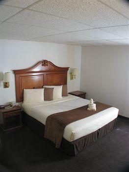 Dodge House Hotel & Convention Center, Dodge City KS