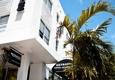Metro Pole Hotel Apts - Miami Beach, FL