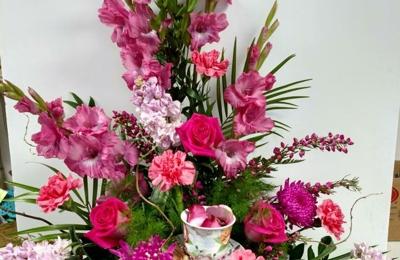 Dutch Mill Florist Inc - Bismarck, ND