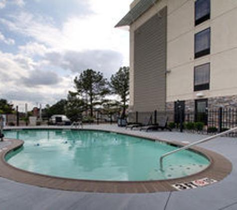 Holiday Inn Express & Suites Jackson Downtown - Coliseum - Jackson, MS