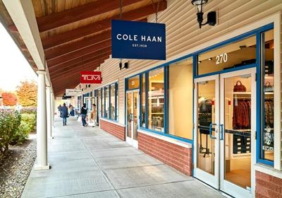 wrentham village premium outlets nike store