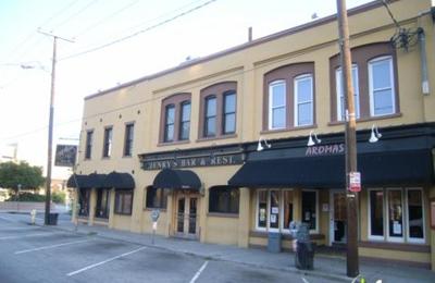 Henry S Bar Restaurant 54 N Market St Charleston Sc