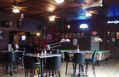 Leon's Sports Bar & Grill - Warren, OH