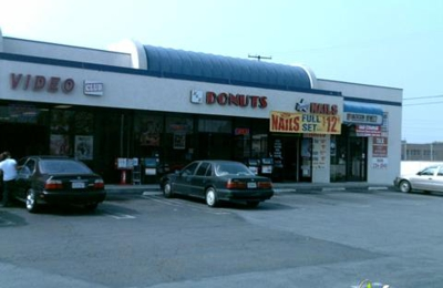 H & H Doughnuts - Buena Park, CA