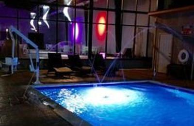 Roberts Riverwalk Hotel & Residence Detroit - Detroit, MI