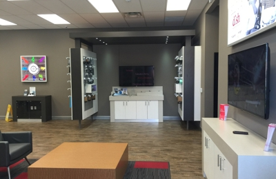Verizon Authorized Retailer, TCC - Danville, IN