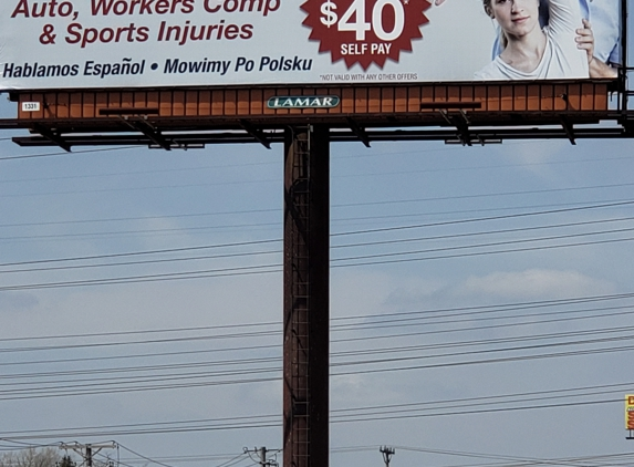 Dr David Cavazos DC, Physical Therapy and Chiropractic - Carol Stream, IL. 40 treatment and xray.  Accepts insurance.