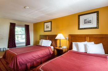 Econo Lodge, West Yarmouth MA