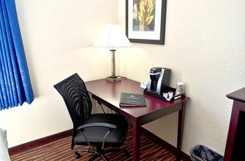 Boulder's Inn & Suites, Monticello IA