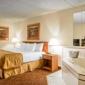 Clarion Hotel Campus Area - Eau Claire, WI