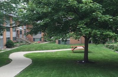Landmark Apartments - Urbana, IL