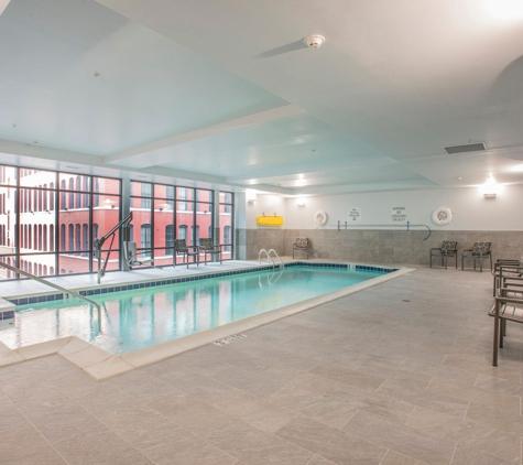 Holiday Inn & Suites Cincinnati Downtown - Cincinnati, OH