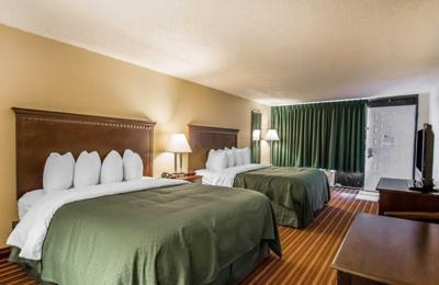 Quality Inn & Suites at Tropicana Field - Saint Petersburg, FL