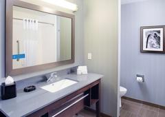 Hampton Inn & Suites Lansing West - Lansing, MI