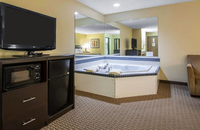 Quality Inn & Suites Sun Prairie Madison East - Sun Prairie, WI