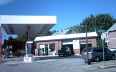 Arto's Service Station