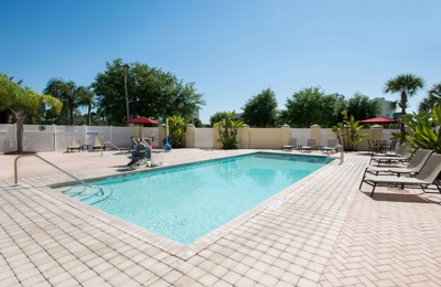 Comfort Suites Near Universal Orlando Resort - Orlando, FL