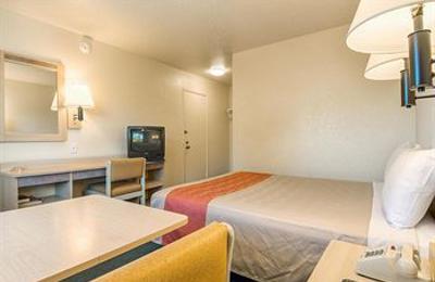 Motel 6 Fontana - Fontana, CA