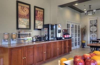 University Park Inn & Suites - Davis, CA