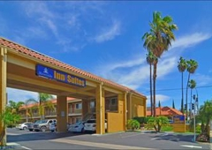 Riverside Inn & Suites - Riverside, CA
