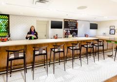 Holiday Inn Hotel & Suites Atlanta Airport-North - Atlanta, GA