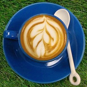 Macchiato latte by Coffee Bruins barista