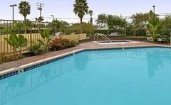 Ramada Plaza Garden Grove/Anaheim South