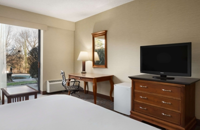 DoubleTree by Hilton Somerset Hotel and Conference Center - Somerset, NJ