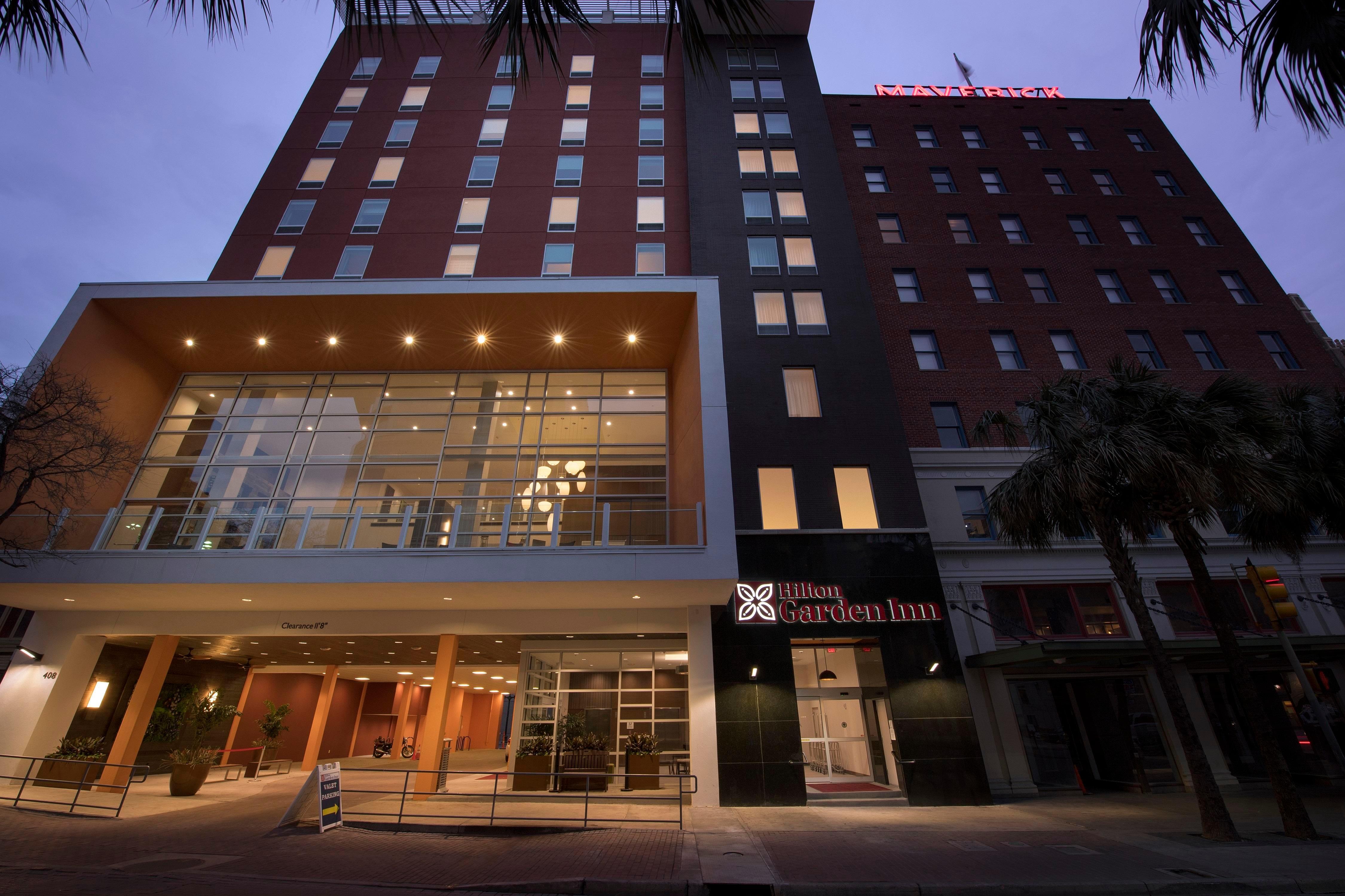 Hilton Garden Inn San Antonio Downtown 408 E Houston St, San Antonio ...
