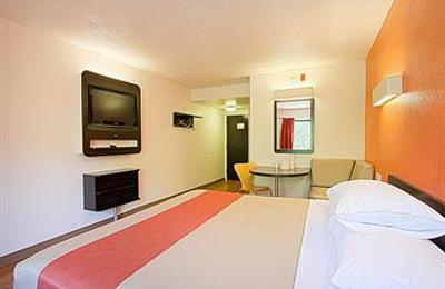 Motel 6 - East Brunswick, NJ