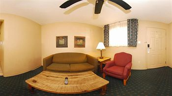 Days Inn & Suites Llano, Llano TX