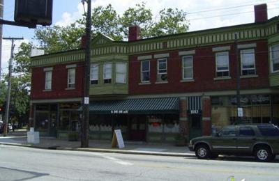 Le Petit Triangle Cafe - Cleveland, OH