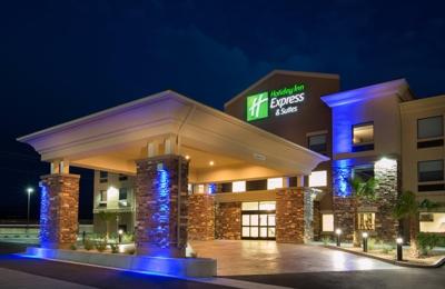 Holiday Inn Express & Suites Pahrump - Pahrump, NV