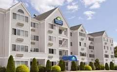 Days Inn and Suites Groton Near the Casinos