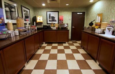 Hampton Inn Winchester-University/Mall Area - Winchester, VA